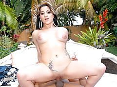 Outdoor Latina sex and cumshot tubes