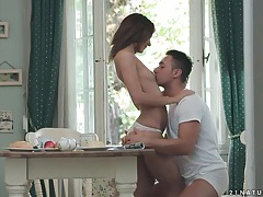 Alexis brill kisses her man over breakfast tubes