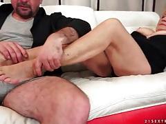 Horny man eats out naughty mature slut tubes