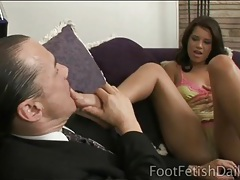 Sexy brunette lets him lick her toes tubes