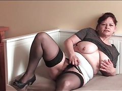 Hairy milf with curves masturbates sensually tubes