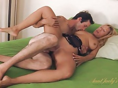 Milf sucks cock in 69 and gets laid tubes
