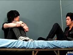 Smooth emo twinks kiss lustily in bed tubes
