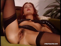 Beauty in latex gloves gets her pussy licked tubes