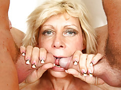 Mommy banged by two dicks tubes