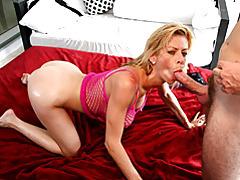 Busty suck slut in pink lingerie tubes