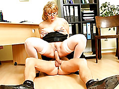 Young man fucks mature secretary tubes