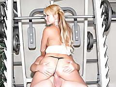 Weight room milf rides cock tubes