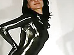 Cute rubber babe streching sex tubes