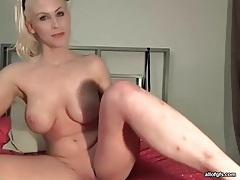 Blonde webcam babe with big tits masturbates tubes