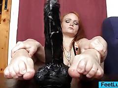 Redhead feet and legs show tubes