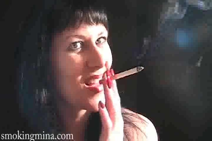 Brunette babe is sexy in smoking porn tubes