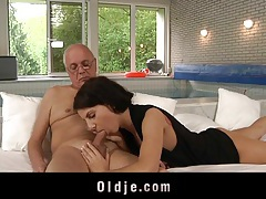 Old man seduced and fucked by young lilu tubes