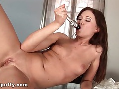 Wet dildo fucks her bald vagina tubes