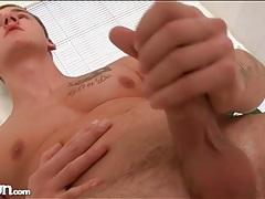 Hot cock and hard body on masturbating guy tubes