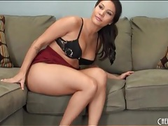 Mena li has a thick ass and strips to show it tubes