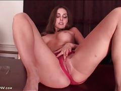 Sexy round titties on solo masturbating girl tubes