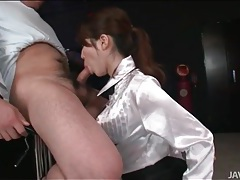 Japanese slut masturbates with his cumshot tubes