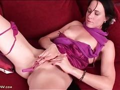 Dildo masturbation makes milf pussy leak juice tubes