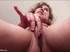 Milf pussy lips and small tits in close up tubes