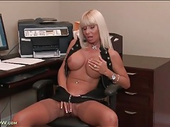Big breasts bimbo milf masturbates lustily in office tubes