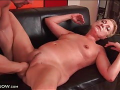 Hardcore mature fuck on the leather couch tubes