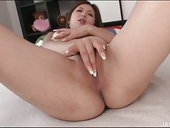 Big boobs girl with long fingernails masturbates tubes