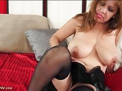 Curvy solo latina in black lingerie masturbates tubes