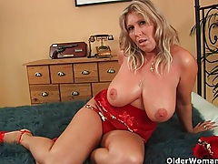 Older woman with natural big tits gets fucked tubes