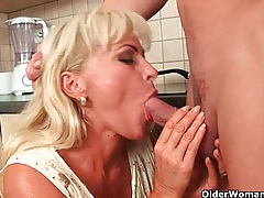 Blonde soccer mom with curvy body gets fucked tubes