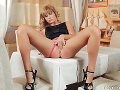 Glamorous solo blonde masturbates her pussy tubes