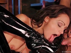Brunette strapon fucks hot blonde in boots tubes