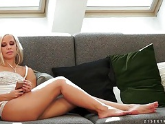 Blonde pornstar dido angel sensually licked tubes