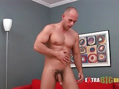 Shaved head and thick body on masturbating guy tubes