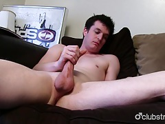 Brunette straight guy josh masturbating tubes