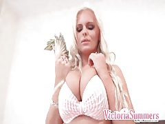 Victoria summers throws cash and takes out her tits tubes