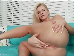 Finger fucking and masturbating blonde girl tubes