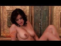 Curvy nude sunny leone masturbates lustily tubes