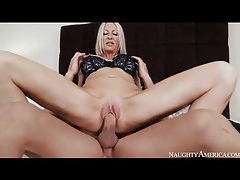 Milf emma starr is a naughty cock riding chick tubes