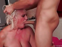 Granny cunt takes creampie cumshot in hot porn tubes