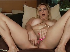 Big tits curvy mature vibrates her pink pussy tubes