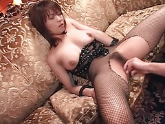 Hairy japanese vagina fingered before she blows tubes