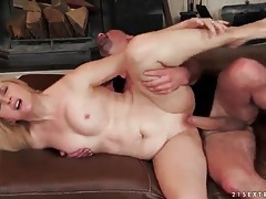 Bald mature vagina fucked by his stiff shaft tubes