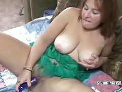 Curvy milf liisa is using a toy on her sweet pussy tubes