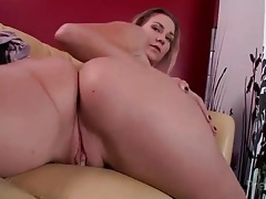 Feet and cunt look sexy in close up porn tubes