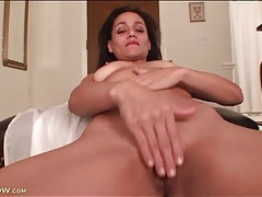 Wet mom pussy masturbated in close up porn tubes