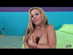 Nikki sexx toy fucks her creamy milf pussy tubes