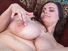 Fat girl fingers and fondles her big breasts tubes