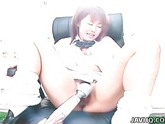 Schoolgirl pussy vibrated outdoors tubes