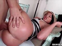 Curvy nikki delano fucked in cunt by big cock tubes